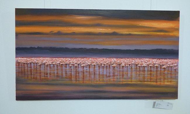 картина с фламинго на выставке